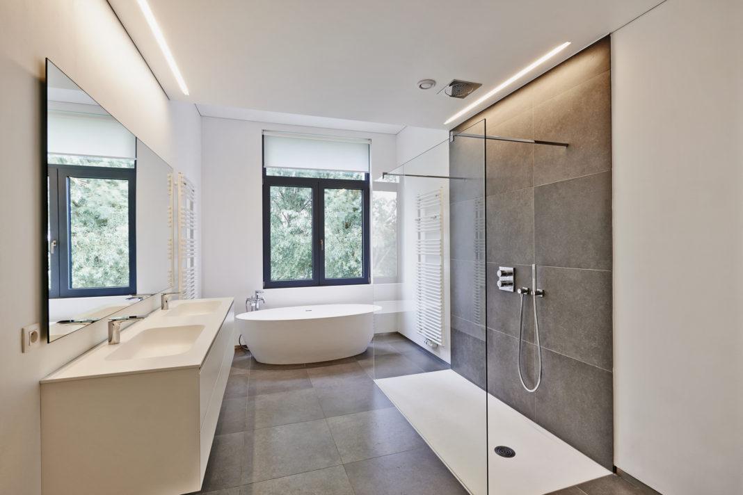 Cabina de duș și paravanul de duș pentru baia ta modernă